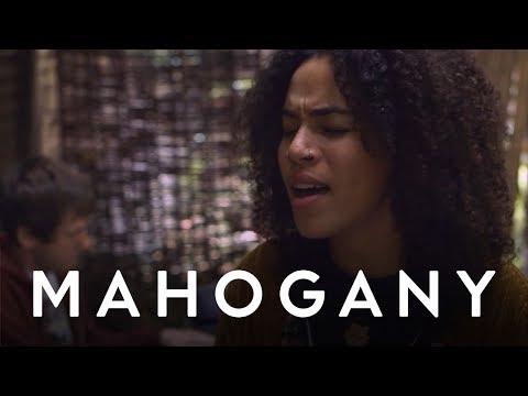 Kiah Victoria - Hollow | Mahogany Session