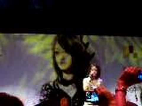 张韶涵 Angela Zhang in Singapore Music Showcase --- 不痛