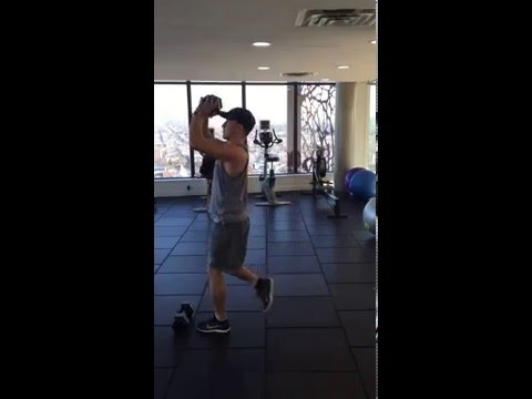 EP Fitness Trainer Vancouver Gastown Personal Trainer How to do a reverse lunge and press