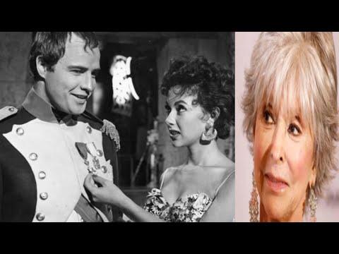 ASI VIVE RITA MORENO Y SU TORRIDO ROMANCE CON MARLON BRANDO ''LE DIJO TE AMO HASTA QUE PARTIO''