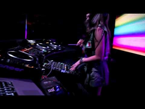 DJ RoxY JunE @ Club Mass, Korea in June 2011 (part II)