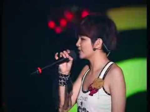 SHE PLAY concert  (Zai Bie Kang Qiao & Lun Dun Da Qiao Kua Xia Lai) 2
