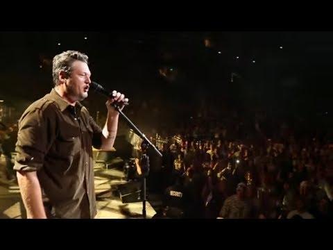 Blake Shelton - Neon Light (Official Video)