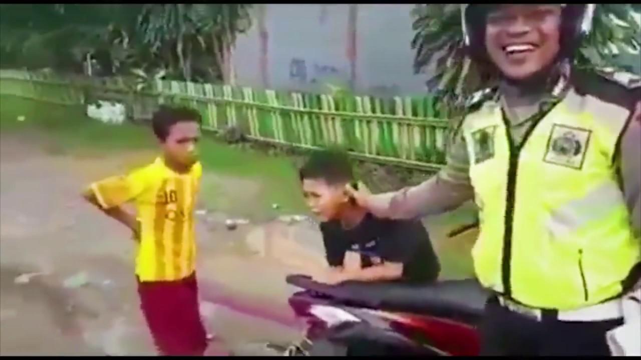 5 Momen Konyol Anak Kecil Ditilang Polisi Video SportNK