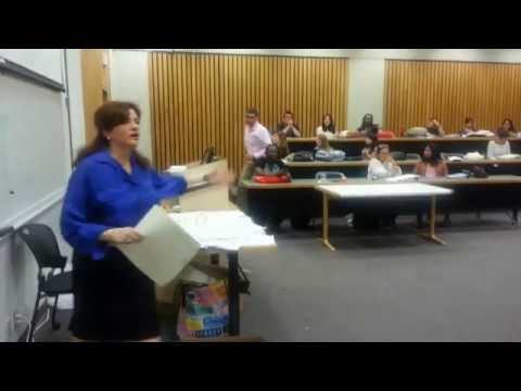 Dena Falken, presenting a Legal-Ease Seminar at University of Houston Law School