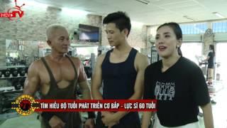 Miko Lan Trinh phấn khích vì màn trình diễn cơ ngực của các lực sĩ.