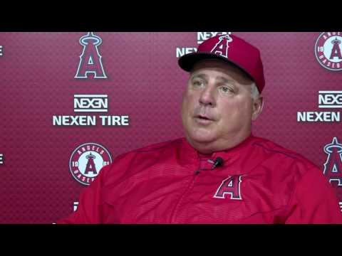 The Lessons Legendary Coach John Wooden Taught Angels' Mike Scioscia