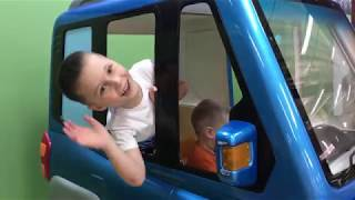 The Wheels on the Bus song and Indoor Playround for kids
