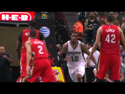 LaMarcus Aldridge Drives and Jams!