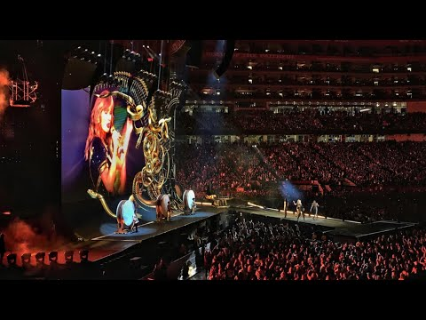 Taylor Swift - Look What You Made Me Do LIVE (reputation Stadium Tour)