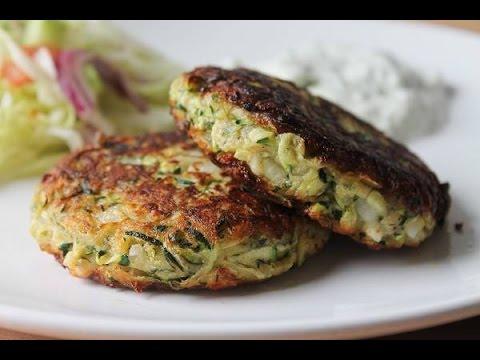 Zucchinibratlinge mit Tzatziki (Rezept) || Zucchini Patties with Tzatziki (Recipe) || [ENG SUBS]