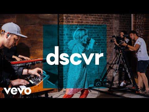Tove Styrke - Mistakes - Vevo dscvr (Live)