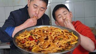 """【超小厨】最奢华早餐,4斤""""无骨鸡爪""""配米线,小小厨竟然飘了,敢坑亲妈!"""