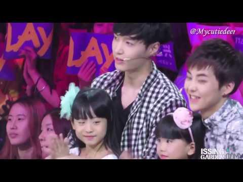 ZHANG YIXING AND LITTLE GIRLS