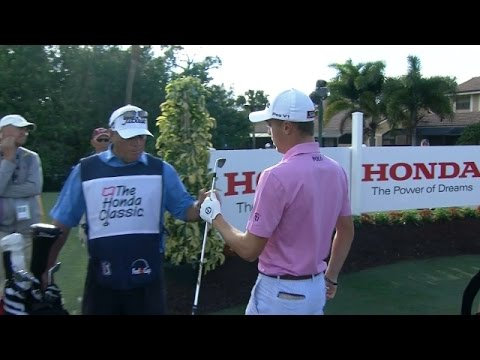 Justin Thomas nearly dunks his tee shot at The Honda Classic