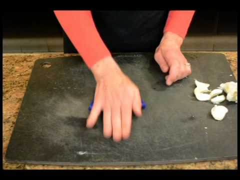 Zak design! e-z-roll Garlic Peeler at Great News!