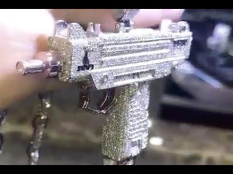 Lil Uzi Vert Drops $150K On VVS Diamond Uzi Chain