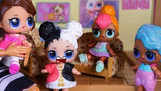LOL SURPRISE DOLLS Learn About Doing Good Deeds And Harper Is Jealous!