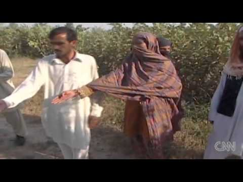 EXECUTION - Islam murders a young mother! - YouTube