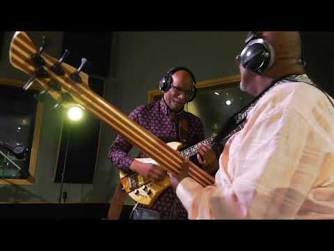 The Bass Walk: Abraham Laboriel
