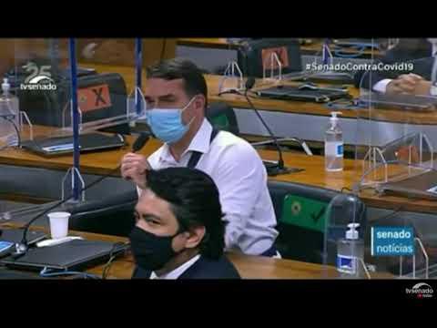 Briga entre Renan e Carlos Bolsonaro