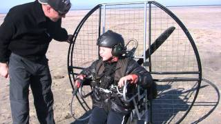 Pilota paramotor con 10 años