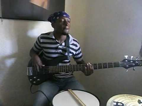 Baixar LUCKY DUBE - SLAVE (BASS LINE WITH MIKE)