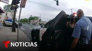 Revelan un nuevo video del forcejeo para someter a Floyd | Noticias Telemundo