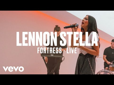 Lennon Stella - Fortress (Live) | Vevo DSCVR