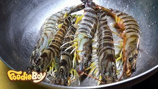 Kuruma Shrimp / Korean Street Food / Food Cart Village, Busan Korea