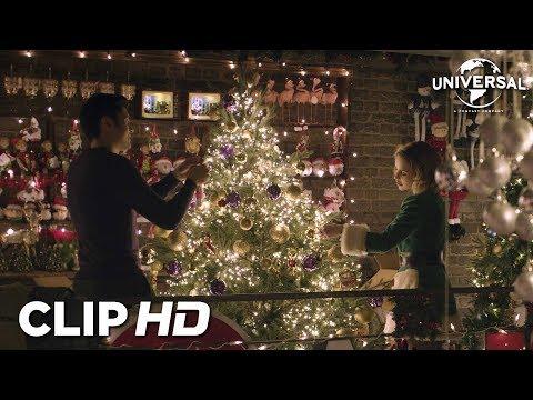 """LAST CHRISTMAS - Clip 4 """"Kate muestra a Tom su artículo favorito"""""""