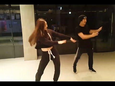 다이아 DIA's Eunjin dances to BLACKPINK's Playing with Fire