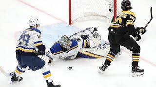 Jordan Binnington holds the Bruins at bay during incredible 1st period of Game 7