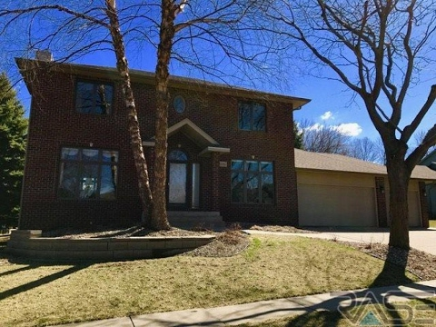 Residential for sale - 1016 N Breckenridge Cir, Sioux Falls, SD 57110