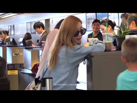 SNSD and Kids #1 - Taeyeon Playing with Kids and Acting Like a Kid!