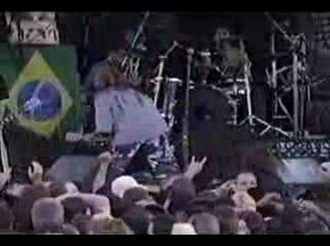 Soulfly - Back to the Primitive (Live)