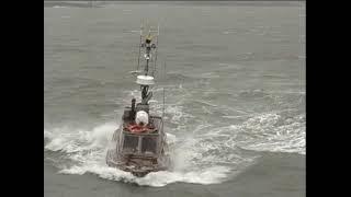 Small Tugboat Heavy Sea's - YouTube