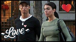 Sexy ! Cristiano Ronaldo et Georgina Rodriguez en vacances à Ibiza