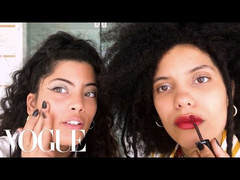 """Sisters Ibeyi Do Their """"Going Out"""" Beauty Routine   Beauty Secrets   Vogue"""