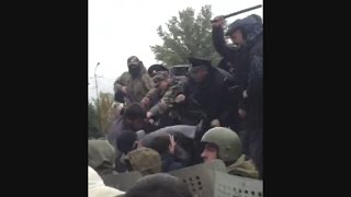 Встреча депутатов с избирателями и дубинками (Дагестан)