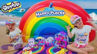 Finding Buried Treasure at Rainbow Beach with Shopkins Happy Places Toy Scavenger Hunt!!!