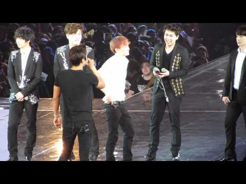 2012.4.29 Super Jr. SS4 in Ina..Siwon picked Kyu, EunHae to get wet, Leeteuk too ^^