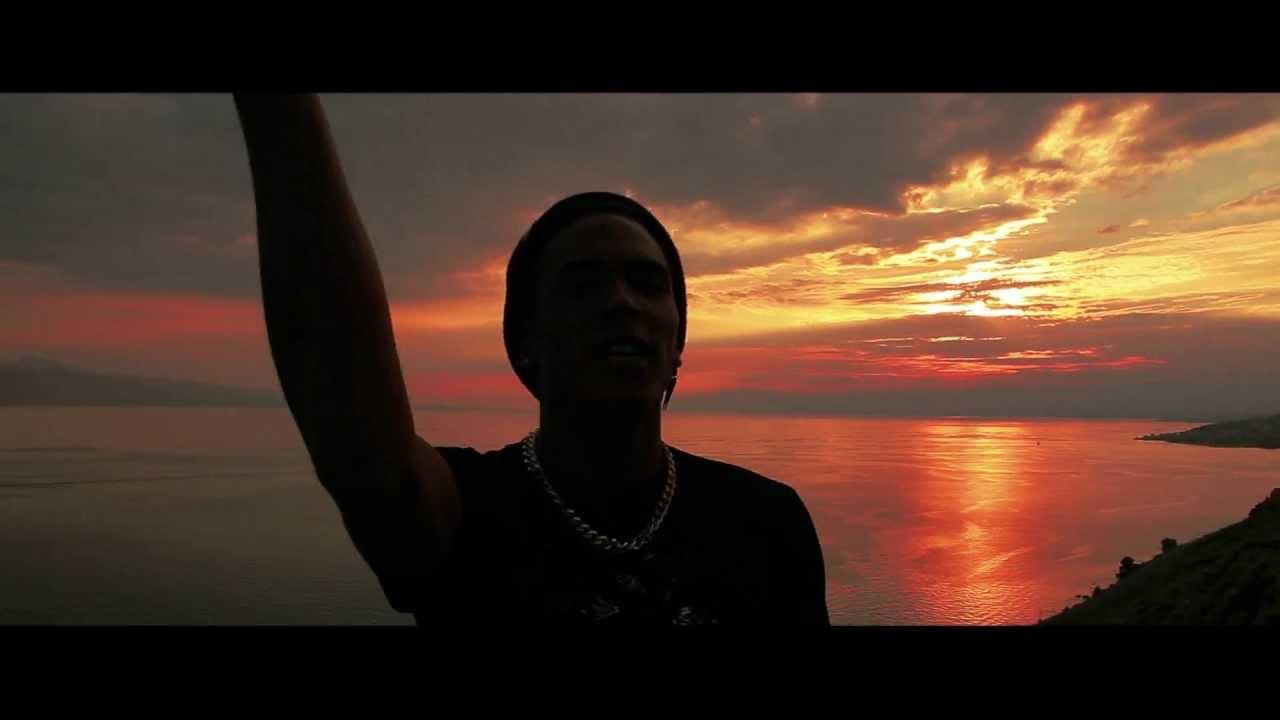 Icaro - Love under the rain - YouTube