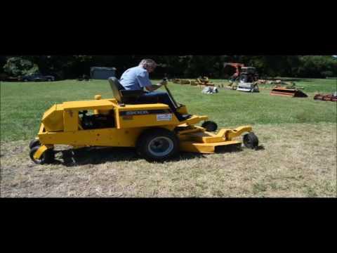 Excel Hustler 4400 ZTR lawn mower for sale | no-reserve Internet auction September 28, 2016