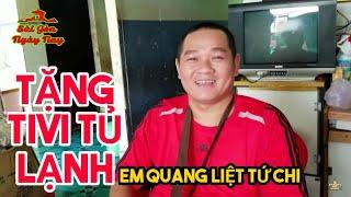 💖Việt Kiều tặng Ti vi Tủ lạnh em Quang | Biếu thầy Sang máy pha Coffee