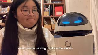 A Chinese robot which looks like Eve  of WALL.E