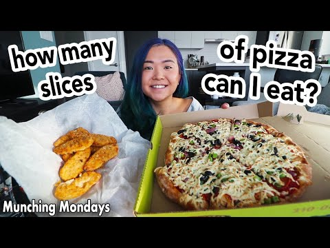 PIZZA & WINGS MUKBANG (VEGAN EATING SHOW) ?? ?? // Munching Mondays Ep.45