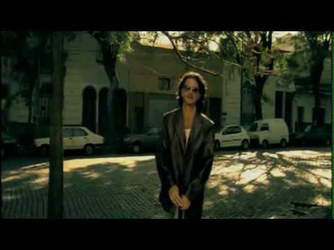Ricardo Arjona - Minutos (Video Oficial)