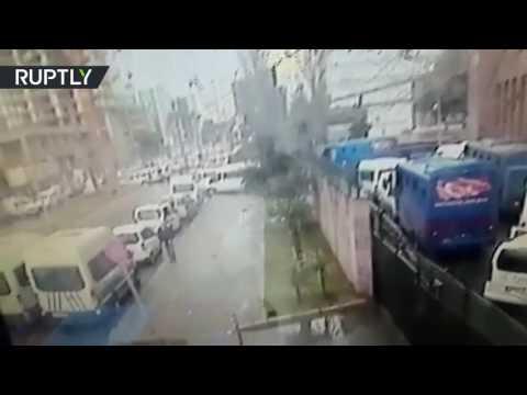 لحظة التفجير السيارة المفخخة في مدينة ...