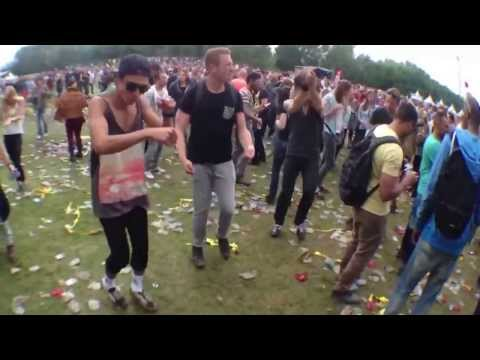 Loopy Ravers Are Made Better With A Yakety Sax
